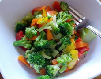 Оригинальные и легкие салаты из брокколи